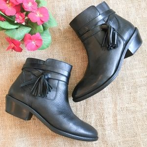 EUC Sofft Tassel Ankle Boots